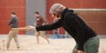 Kubb mit Mütze: Dauerbelüftung führte zu wenig angenehmen Temperaturen in der Beach-Halle.