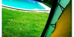 Zelt mit Poolblick