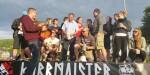 Dann kamen die KubbMAIster-Podestspieler dazu (und Beno brachte das Bierfass)