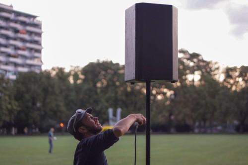 DJ Wurst bringt die Boxen in Position